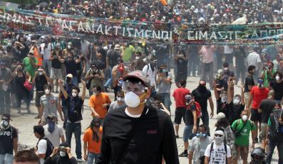 Grecy nie chcą oszczędzać - wyszli na ulice