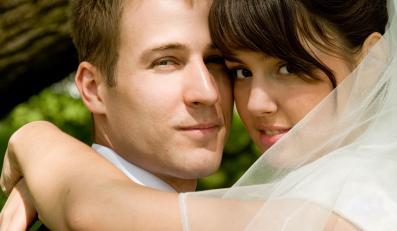 Może jednak warto poczekać z tym do momentu, kiedy złożysz jej śluby?