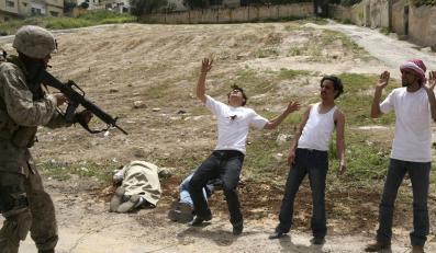 """""""Bitwa o Irak"""" to jeden z wielu podobnych do siebie filmów antywojennych"""