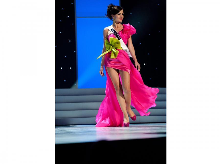 Miss Rumunii 2011, Larisa Popa