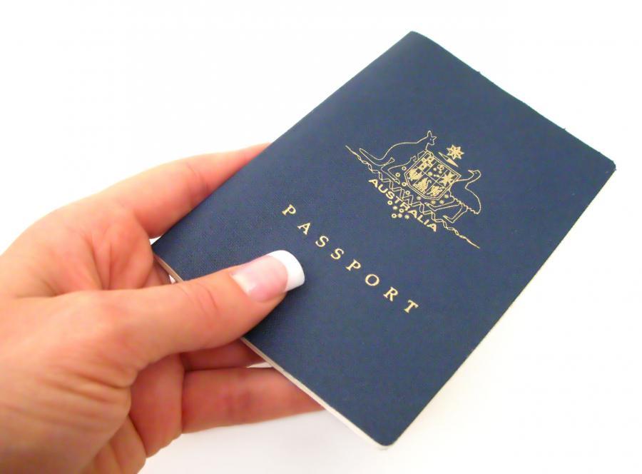 Transseksualiści będą mogli podróżować z paszportami, w które wpisana będzie preferowana przez nich płeć