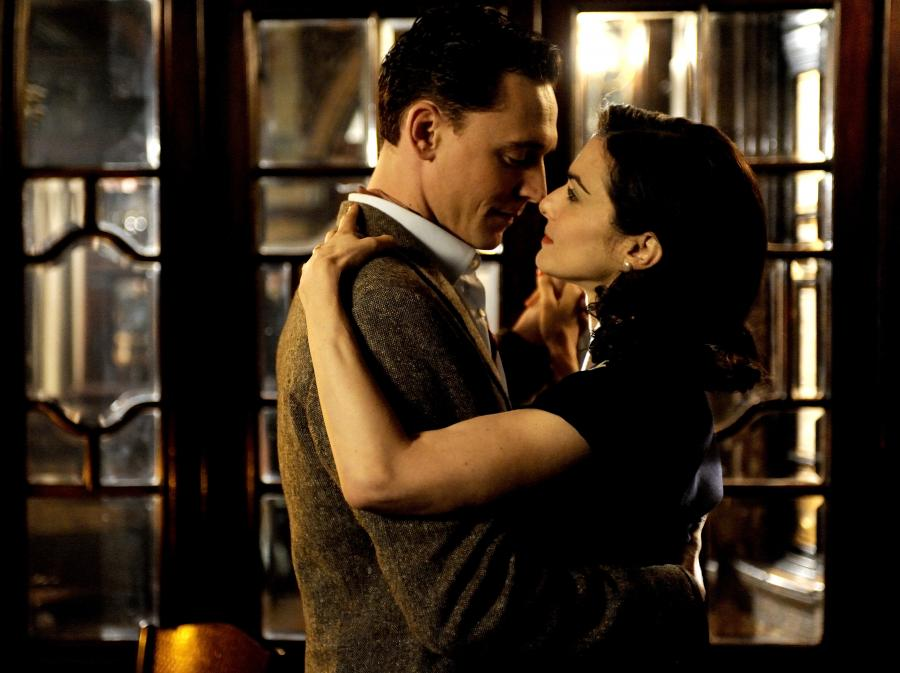 Tom Hiddleston i Rachel Weisz