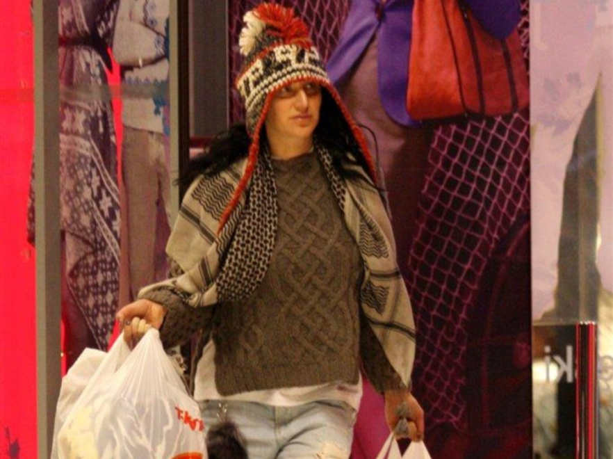 Kayah lubi zabawy modą...