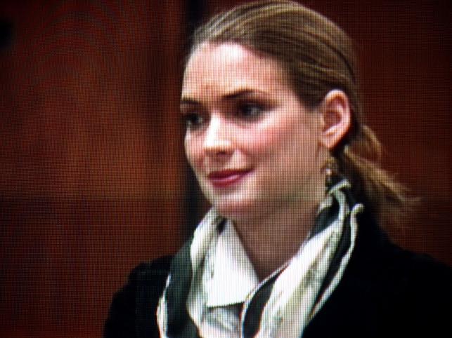 Winona Ryder - pamiętacie ją jeszcze? Zasłynęła wieloma rolami filmowymi i kleptomanią, która zawiodła ją przed oblicze Temidy.