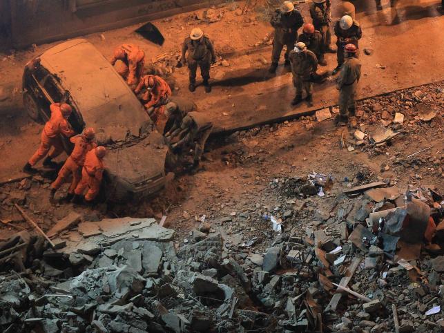 Co najmniej 11 osób zostało zabitych lub rannych w środę wieczorem w katastrofie wieżowca w centrum Rio de Janeiro. 18-piętrowy budynek częściowo zawalił się po silnej eksplozji - poinformowała stacja telewizyjna Globo News powołując się na rzecznika obrony cywilnej