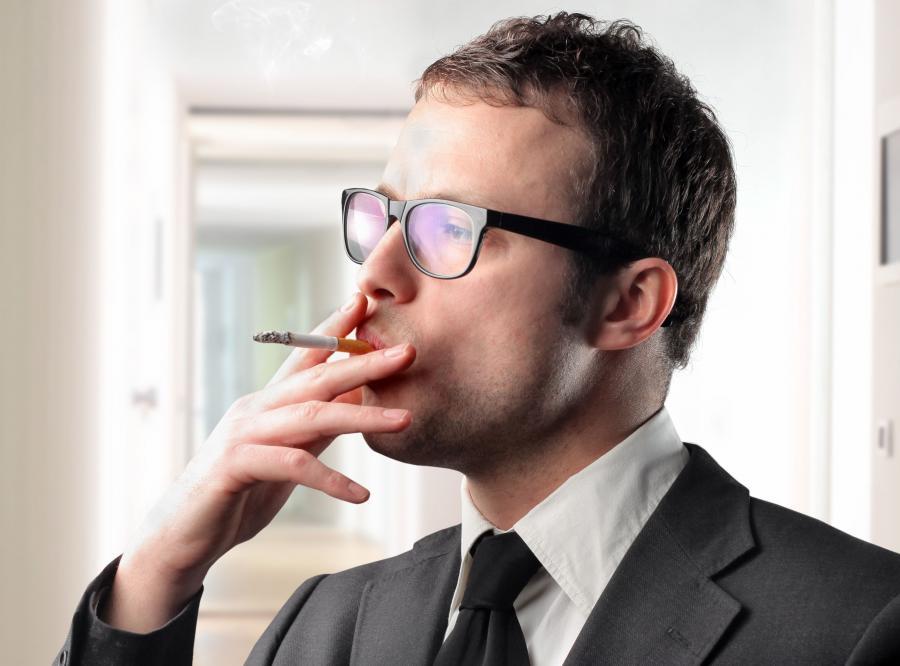 Zaostrzyć zakaz palenia w miejscach publicznych?