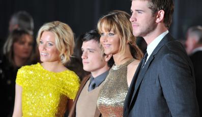 """Elizabeth Banks, Josh Hutcherson, Jennifer Lawrence i Liam Hemsworth na europejskiej premierze """"Igrzysk śmierci"""" w Londynie"""