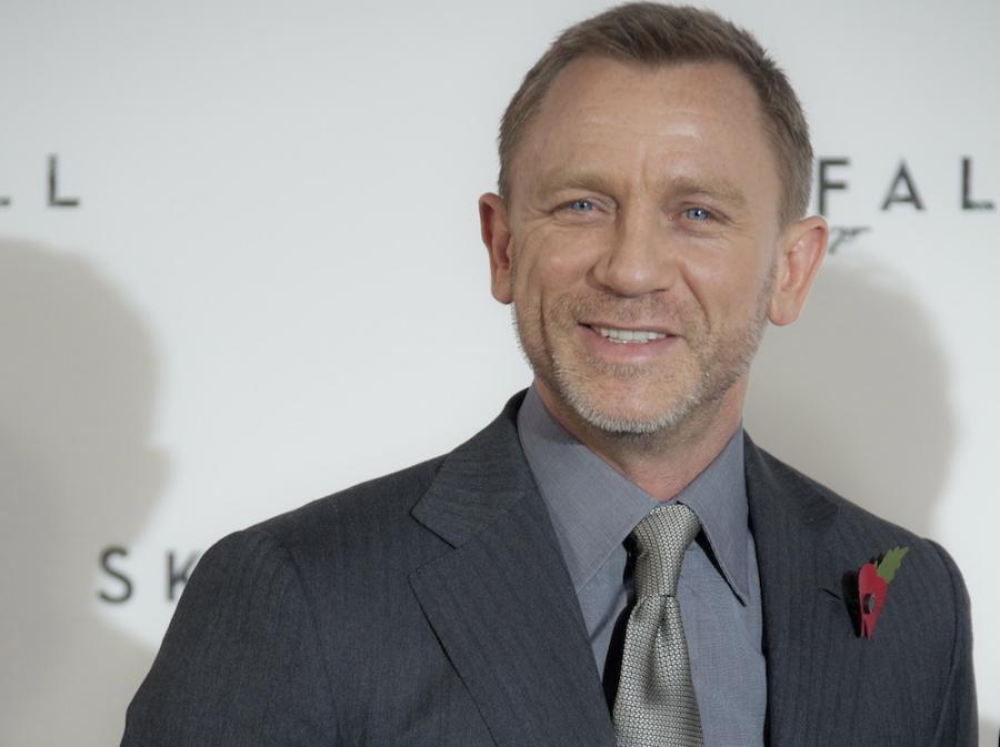 Bond Daniel Craig znów jeździ Astonem Martinem