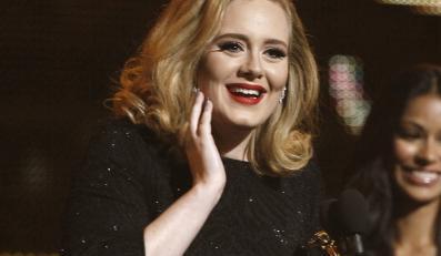 """""""Vogue"""" z Adele na okładce sprzedawał się najgorzej"""