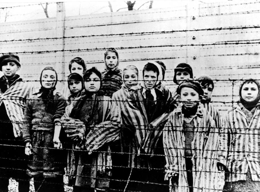 3576721-auschwitz-oboz-koncentracyjny-90