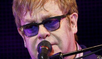 Elton John podczas koncertu na Ibiza 123 Music Festival