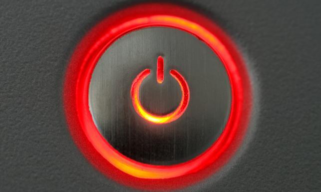 Duże rachunki za prąd? Oto osiem sposobów na oszczędzanie