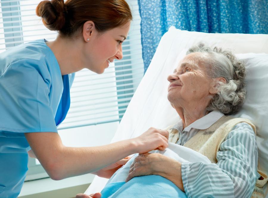 Od 1 stycznia system opasek z kodami dla pacjentów oraz czytników dla personelu medycznego