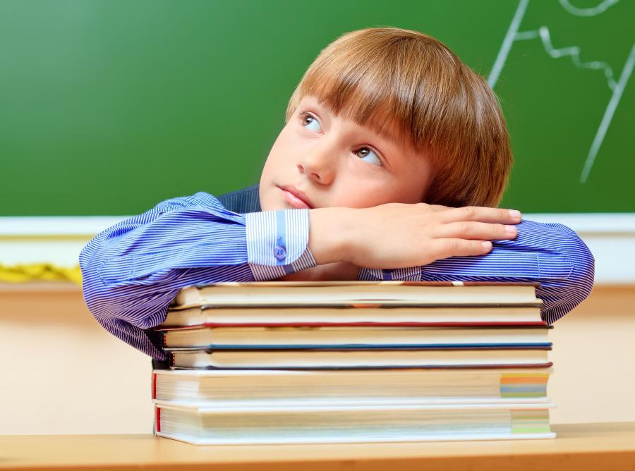 Dziecko w szkole - zdjęcie ilustracyjne