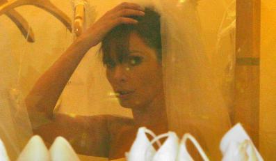 """""""Fakt"""": Dygant mierzy welon na ślub"""