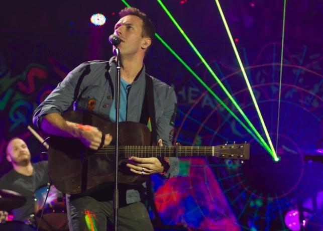 Coldplay podczas koncertu w hali O2 Arena w Londynie – 10 grudnia 2011