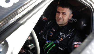 Krzysztof Hołowczyc, zdjęcie z profilu kierowcy na Facebooku