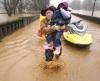 Ewakuacja ludzi z jednego z miasteczek w Oregonie, odciętego od świata przez lawinę błotną