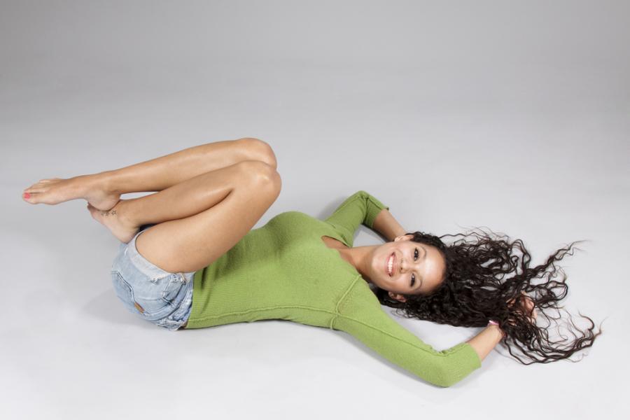 Kobieta o smukłych nogach