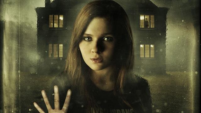 Abigail Breslin na plakacie filmu \