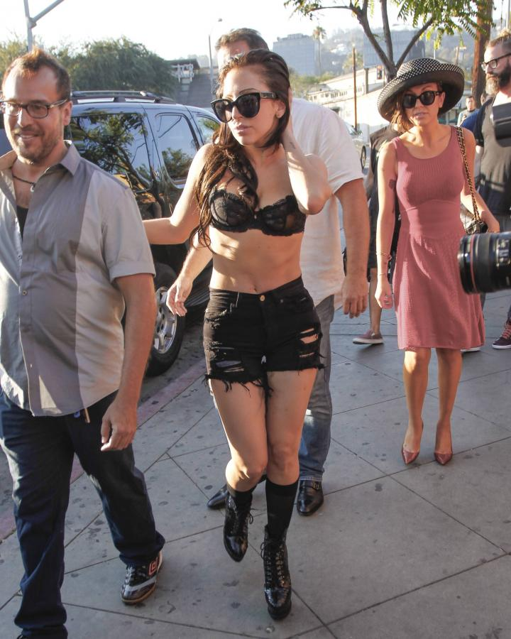 Lady GaGa na ulicy w Hollywood