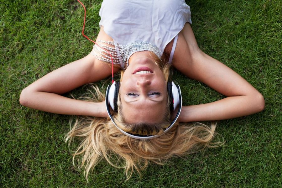 Siesta 8 – Muzyka świata i stare radio