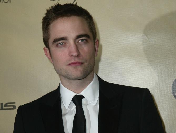 Robert Pattinson: Dziewczyny same do mnie podchodzą