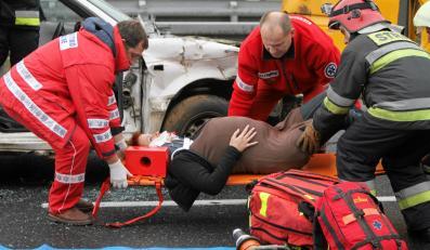 Pozorowany wypadek. Ćwiczenia służb ratownicznych na autostradzie A4
