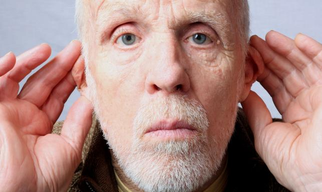 Wydłużone zęby, wielki nos - (nie)typowe oznaki starzenia się