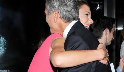 Katie Holmes chodzi na randki z George'em Clooneyem