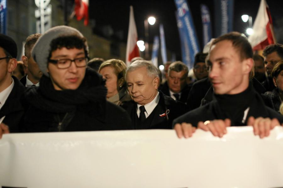 Wieczorny marsz PiS