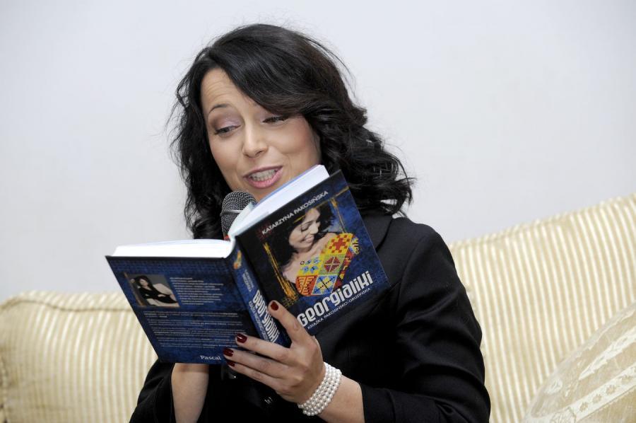 Katarzyna Pakosińska na promocji książki \