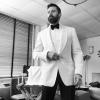 Hugh Jackman elegancki na zdjęciu ze swojego profilu na Instagramie