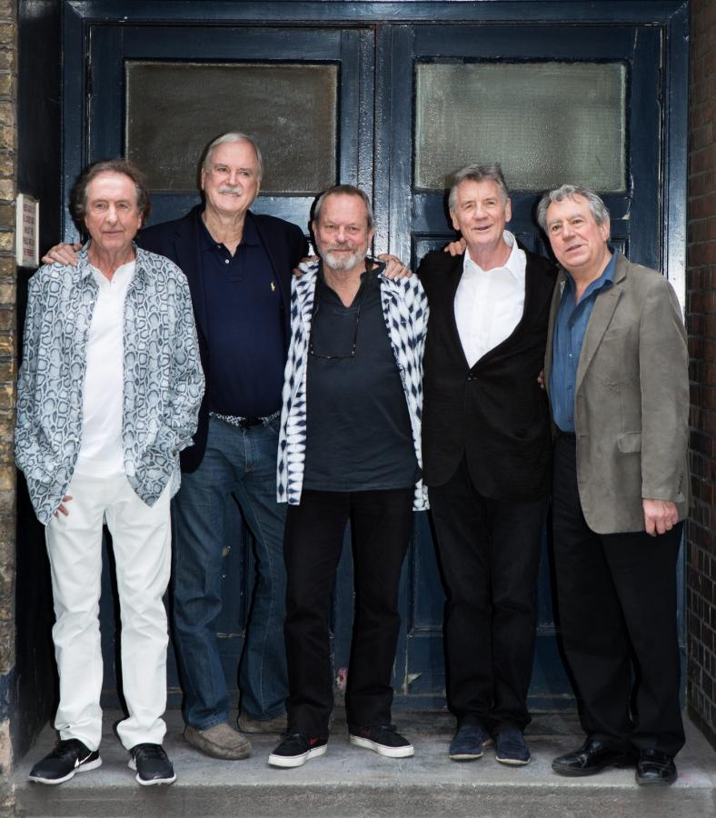 Monty Python w obecnym składzie: Eric Idle, John Cleese, Terry Gilliam, Michael Palin i Terry Jones