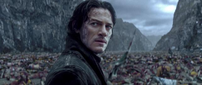 """Luke Evans w filmie """"Dracula: historia nieznana"""""""