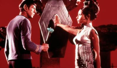 "Arlene Martel i Leonard Nimoy w ""Star Treku"""