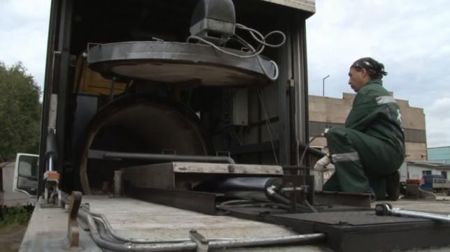 Mobilne krematorium IN-50.1K zbudowane na bazie ciężarówki Volvo