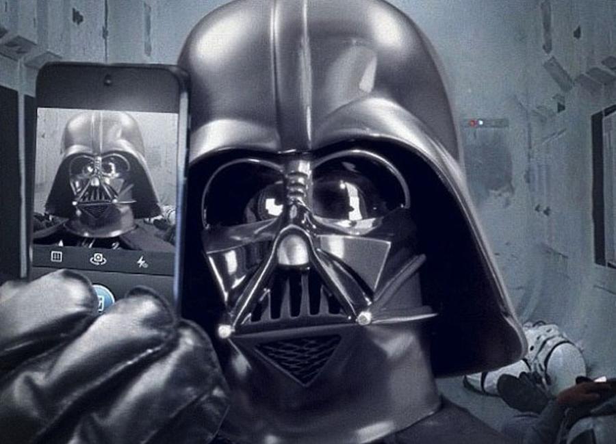 """""""Star Wars Episode VII"""" w kinach 18 grudnia 2015 roku (foto © 2013 – Lucasfilm)"""