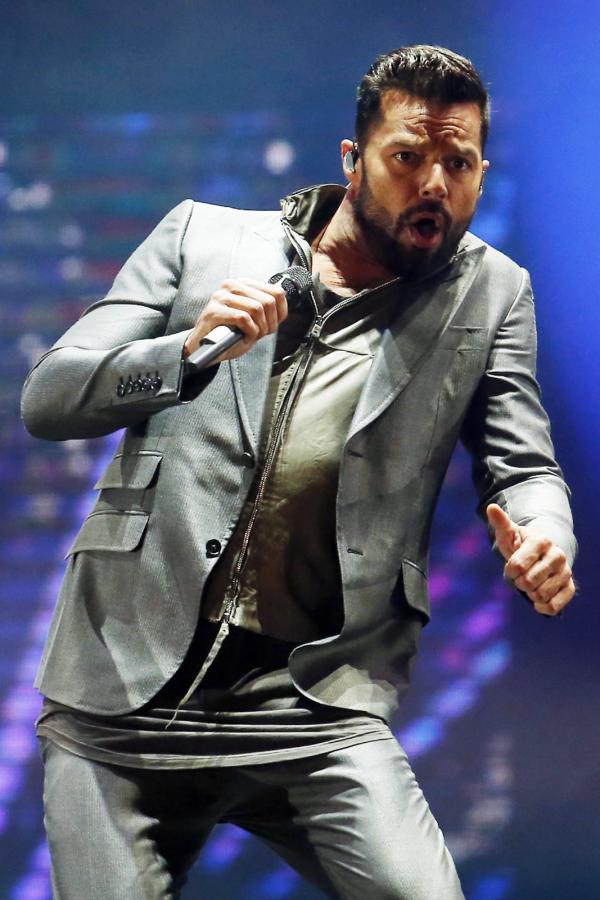 Ricky Martin podczas koncertu w Chile