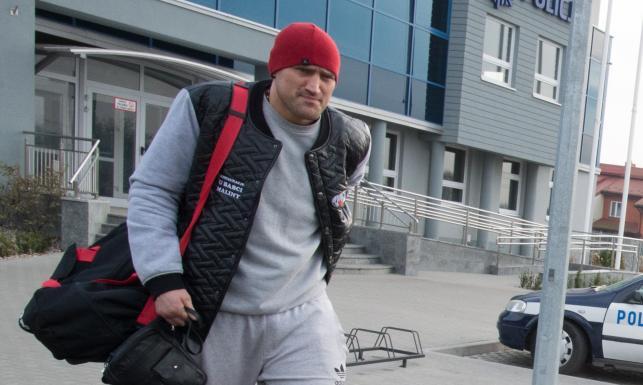 Mariusz Wach już na wolności. Bokser opuścił areszt w Opocznie. ZDJĘCIA