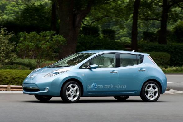 Mało? Niekoniecznie - eksperci z Nissana przeprowadzili badania na całym świecie i wyszło z nich, że dla 70 procent kierowców taki zasięg będzie wystarczający do codziennego podróżowania