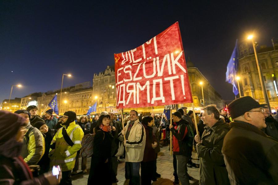 Protesty w Budapeszcie przeciwko przyjazdowi Władimira Putina na Węgry
