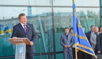Wiktor Janukowycz otwiera lotnisko w Charkowie