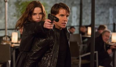 """Rebecca Ferguson i Tom Cruise w filmie """"Mission: Impossible – Rogue Nation"""""""