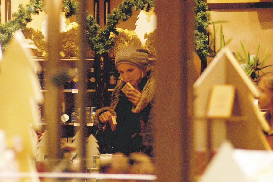 Joanna Liszowska spędziła dużo czasu w perfumerii