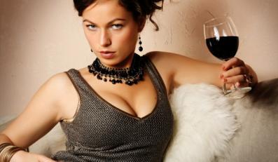 Pijące kobiety mają lepsze życie erotyczne