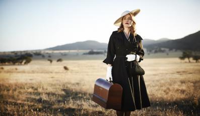 """Kate Winslet szyje sukienki w """"The Dressmaker"""""""