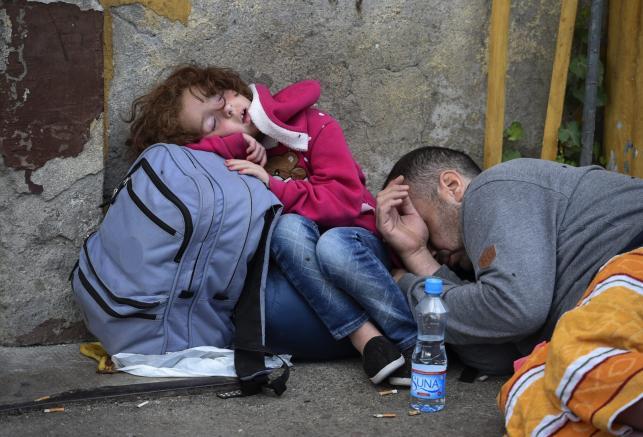 Koszmar uchodźców. Tysiące imigrantów kontra policja na granicy grecko-macedońskiej