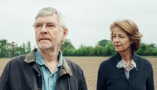 """Miłość po południu. Charlotte Rampling i Tom Courtenay w nagrodzonym na Berlinale filmie """"45 lat"""""""