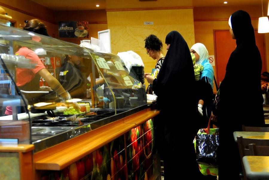 Muzułmanki w sklepie w Marsylii
